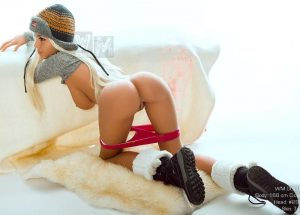 natasha kneeling